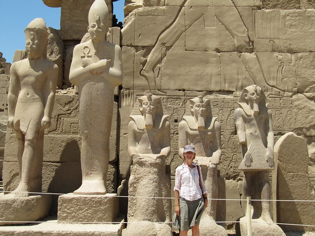 Lots of statues and my mom :)