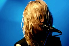 Emily Haines hidden in her hair (alex poulin) Tags: show portrait rock emily haines montreal live band september metric blond singer concordia 2007 nikond80 photographedbyalexpoulin hiddeninherhair