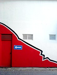 where did they hide the red door? (dhoruhandi) Tags: street door red self deep below manal dhoruhandi simplymaldives rotrossorougerood