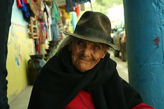 Cute viejita in Raquira (Gwynethmarta) Tags: people woman colombia elderly oldlady oldpeople wrinkles raquira elderlywoman ruana misscolombia oldwomanportrait wrinkledwoman oldlatinpeople