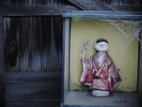 捨てられた人形