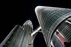 Petronas Twin Towers (Ehsan Khakbaz) Tags: petronas towers twintowers malaysia kl kualalumpur night malaysiaflag dark bright shining shiningtower downtown ehsan khakbaz ehsankhakbaz asia