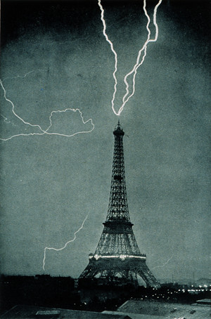 Tormenta sobre Torre Eiffel