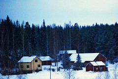 northen houses (Francesco [francepics]) Tags: houses winter snow colors finland case neve fromthetrain inverno colori finlandia emozioni somewherebetweenhelsinkiandlahti