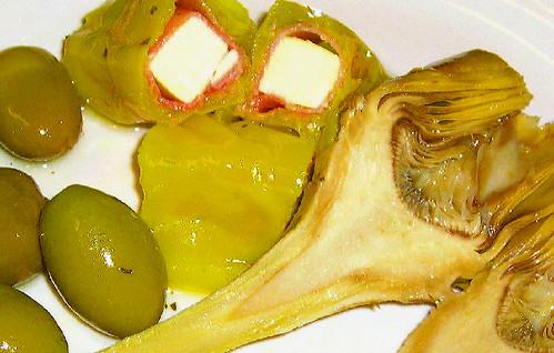 wegman's olive bar