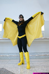 Batgirl: Cape (Roxanna Meta) Tags: comics dc costume comic cosplay batgirl wondercon unitedunderworld wondercon2009