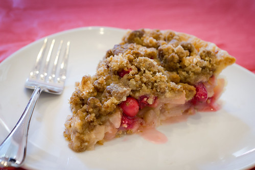 ... Eats 'n Sweet Treats: Pear Cranberry Pie with Gingersnap Crumble (SMS