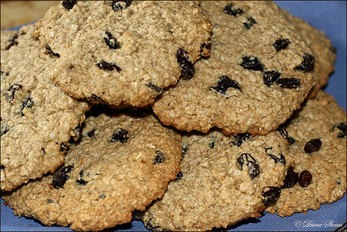 Quaker Oat Bran - Giant Raisin Oat Cookies