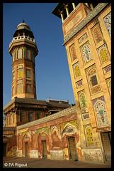 Jewel in Lahore Bazar (pierreantoinerigout) Tags: travel pakistan architecture photography pentax mosque khan lahore bazar mosque mughal wazir fpc