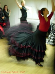 aaDSCN0374 (webwandering) Tags: london carole flamencodancers bailaoras edrich batadecolacourse intensiveflamencocourse flamencostudents laescueladebaile christmascourse2006 learningflamenco