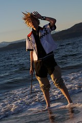 Roxas in sunset (dejahthoris) Tags: cosplay kingdomhearts canon2470mmf28l