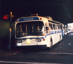 NYPD GMC Bus (So Cal Metro) Tags: nyc newyorkcity newyork bus coach gm cops police nypd fishbowl cop newlook gmc