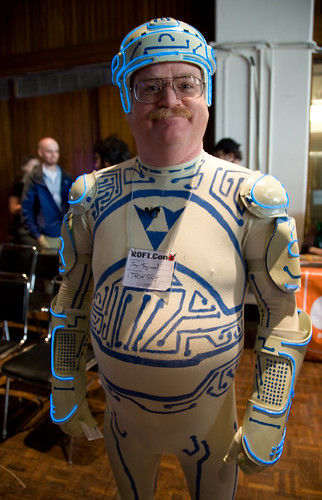 creative commons hi-res photo of the day:  Tron Guy (1159 x 1800)