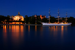 Stockholm (Globalviewfinder) Tags: longexposure trip travel summer vacation sun white holiday reflection water boat europe ship break sweden stockholm weekend backpacker slowexposure scandanavia nikond80 colourartaward