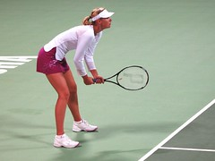 sharapova waiting the ball (monmonch) Tags: tennis wtf sharapova serves khalifastadium womentennis qatartotalopen qataropen