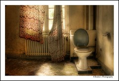 When you need to go, you need to go! (♥ Damona-Art •.¸¸.•´¯`•.♥.•´¯`) Tags: windows urban abandoned hospital photography nikon raw belgium toilet hdr urbex d300 abandonedplaces salvemater photomatix vergangen