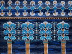 Blue (1elf12) Tags: pergamon museum berlin museumsinsel germany deutschland babylon ishtar tor fliesen glasiert