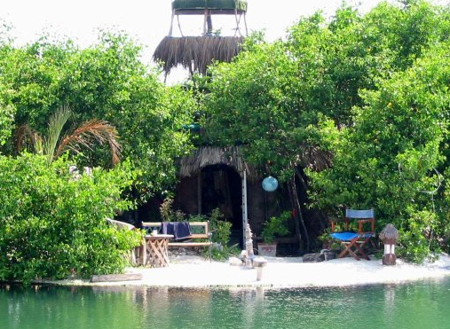 2045197689 df8c00317f o Man (Re)Builds Mexican Island Paradise on 250,000 Recycled Floating Bottles