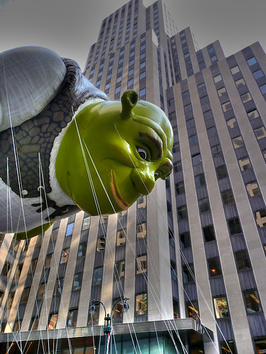 shrek baloon at macys parade