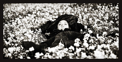 Dream on (Olivier Jules) Tags: flowers portrait white cinema black film blanco girl lady shark blog eyes dream myspace ring explore occhi 101 actress favourites fiori schwartz deviantart bianco nero asd facebook valentina sogno weisse attrice favoriti bwdreams 10faves platinumphoto anawesomeshot aplusphoto anxanum olivierjules