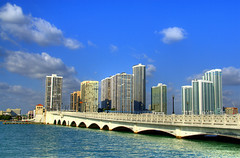 Venetian Causeway, Miami (Thad Roan - Bridgepix) Tags: bridge florida miami bridges venetiancauseway miamibeach bridging nationalregisterofhistoricplaces dadecounty nrhp bridgepix 200801 89000852
