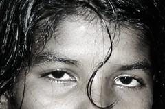 mirando hacia la nada (soymamen) Tags: people blancoynegro gente srilanka momentos miradas vidas expresiones espressionidellanima rosros 2010soymamenallrightsreserved