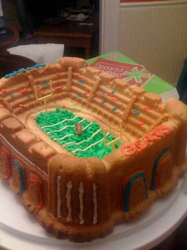 Super Bowl Cake by acaben.