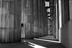 in Wonderland (Celeste) Tags: shadow bw architecture buenosaires column beautifulgirl facultad derecho celesteromero