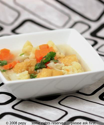 Sup Bunga Kol