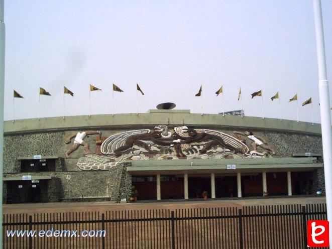 Mural del Estadio Olimpico Universitario. UNAM. ID196 Ivan TMy, 2008