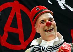 Milano: May-Day Parade. (rogimmi) Tags: italia milano clown anarchy precari lavoro pagliaccio manifestazione dimostrazione precario corteo maydayparade anarchia anarchici 1maggio precariato acerchiata
