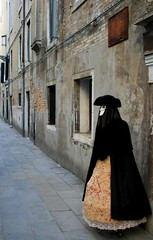 On the street (Marcus Hubert) Tags: veneza mask amadeus mascara venezia mmmilikeit