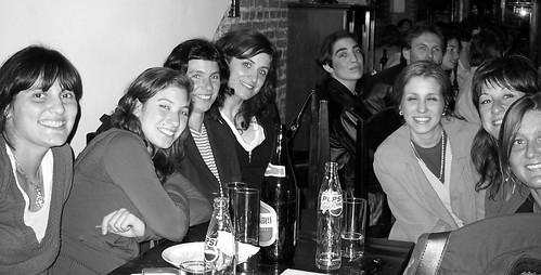 maripau, luchi, vero, lorena, cele, mavi, jorgelina y bagnato atras. by * archivos_taller *.