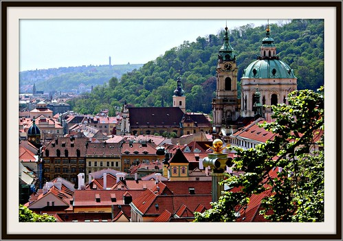 Prague: Know the Heart of Europe