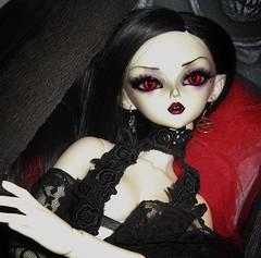 Blette (plumaluna07@sbcglobal.net) Tags: dark dolls vampire gothic elf bjd dollfie luts soo