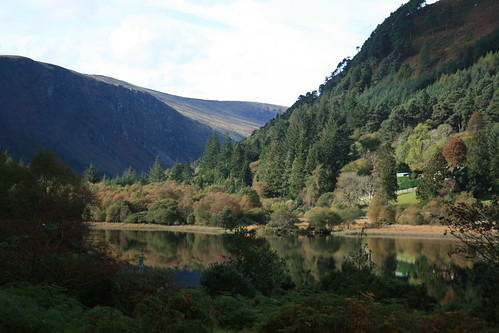 Glendalough Mirror Lake en flickr