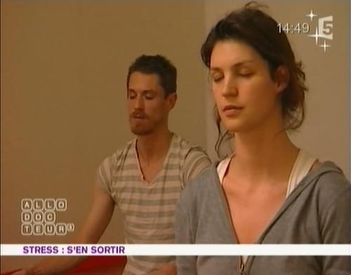 france5_ Magazine de la santé - stress & yoga 00328