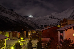 MAF Saas Fee by Night (De MAF) Tags: winter holiday snow ski mountains alps montagne alpes hotel fotografie nightshot suisse nacht sneeuw neige bergen horn alpen amateur wallis etoile mechelen maf valais switserland saas zwitserland feen gletsjer allalinhorn nachtopname allalin
