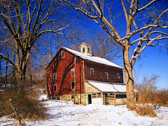 Rundown (Nicholas_T) Tags: winter sky snow barn rural newjersey brightlight creativecommons cloudless dilapidated warrencounty 123nj knowltontownship