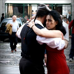 ~ Street tango (*BLULU) Tags: torino dance turin tangoargentino pasion streetdance borgodora streettango cortiledelmaglio etnotango tangoonthestreet ultimotangoatorino