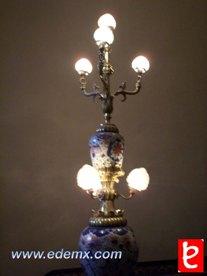 Casa de los Azulejos. Lámpara en las escaleras de la Casa de los Azulejos. ID276, Iván TMy©, 2008