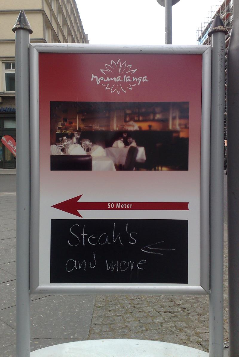 Grammatikfehler Steak-Schild