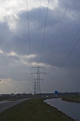 Het Hooghemaal (Martijn A) Tags: het hooghemaal grootewielen rosmalen 073 noordbrabant cloudy bewolkt weather weer the netherlands nederland canon d550 dslr 35mm lens pylon mast electricity hoogspanningsmast wwwgevoeligeplatennl