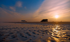 Early morning on the beach (R.Jaegers) Tags: strand nordsee sonnenaufgang morgen watt stpeterording