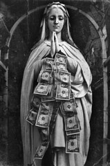 Divine money ([Kantor]) Tags: santa money saint canon religious bill tears sad god player divine triste virgen dinero kantor billete lagrima divino oracin 400d
