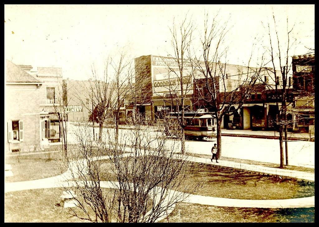 """Packard-Huron"" street car on South Main, Ann Arbor, sometime before March, 1907."