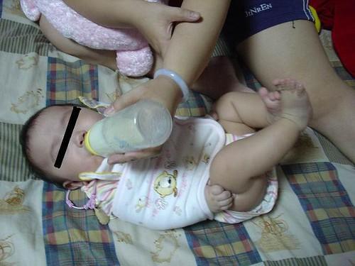 社會頭條之xx嬰兒遭親人綑綁...-1