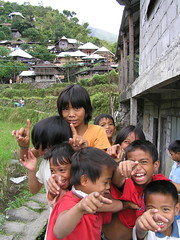 Filipino kids that point at laugh at fat turistas (such as yours truly). Photo courtesy of @gregPhil07 - http://www.flickr.com/photos/21743267@N04/