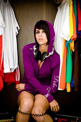Closet urbano - Waleska (pich urdaneta) Tags: portrait woman sexy colors girl closet nikon dj chica dress purple retrato venezuela colores audifonos dolce adobe latin saturation headphones ropa vestido maracaibo lightroom clothe morado muchacha urdaneta capucha saturacion gabanna mcbo pich d80 pichicho