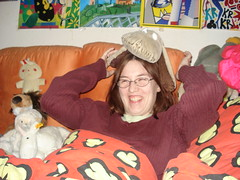 DSC09097 (Kirayuzu) Tags: raya nici schneekatze snowcats snowcat plüschi plüschtier stofftier kuscheltier plushie ostern ostern2010 eastern eastern2010 feiertag 2010 wauzi vibri decke bettdecke meinzimmer